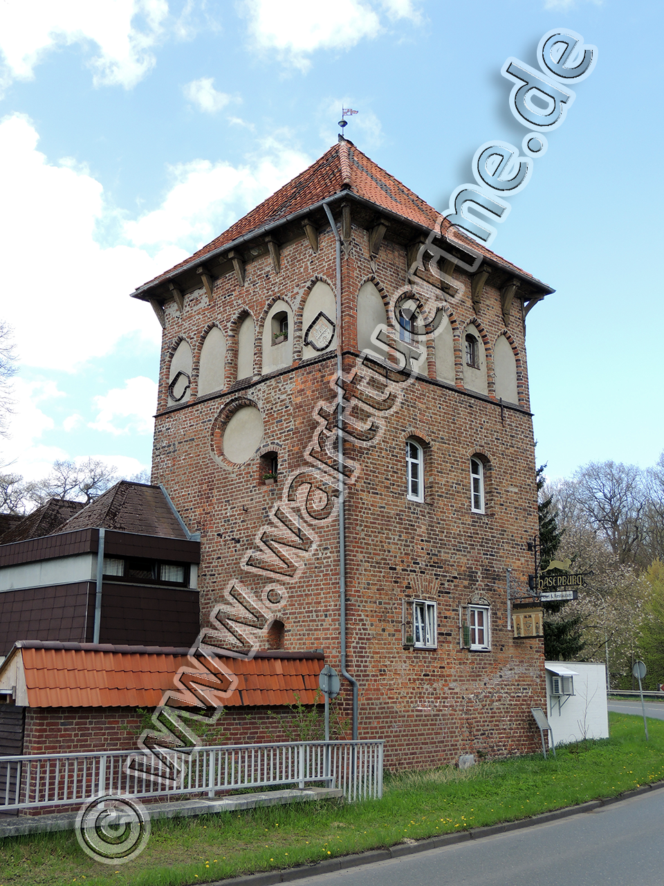 hasenburgwarte-lg-1280px