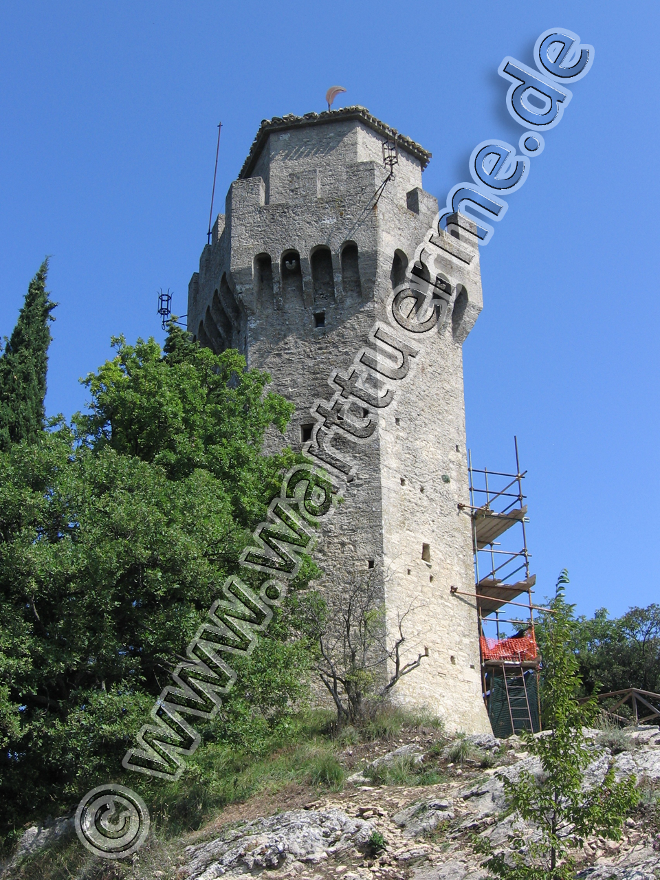 torre-montale-1280px